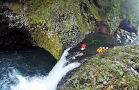 Canyoning-rivière-des-roches