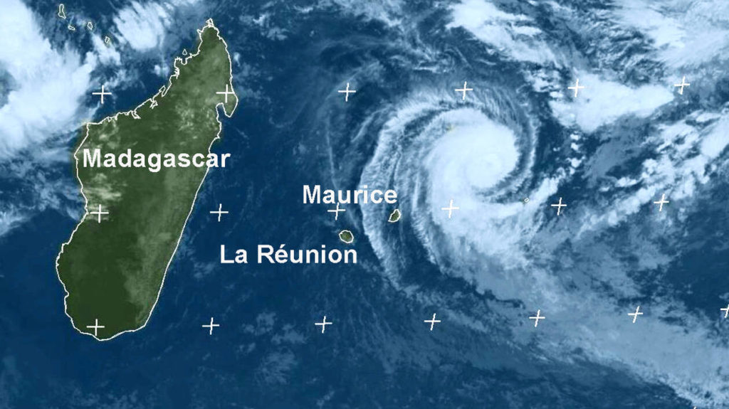 cyclone-reunion-alerte